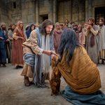 CN.V.MC.C Ai sạch tội, cứ ném đá người này…